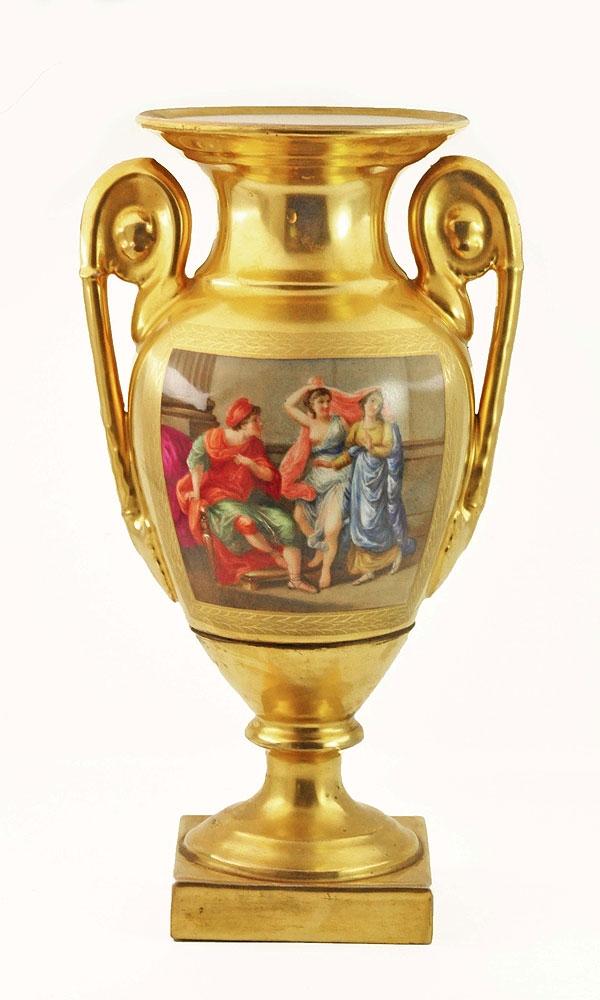 Интерьерная ваза.