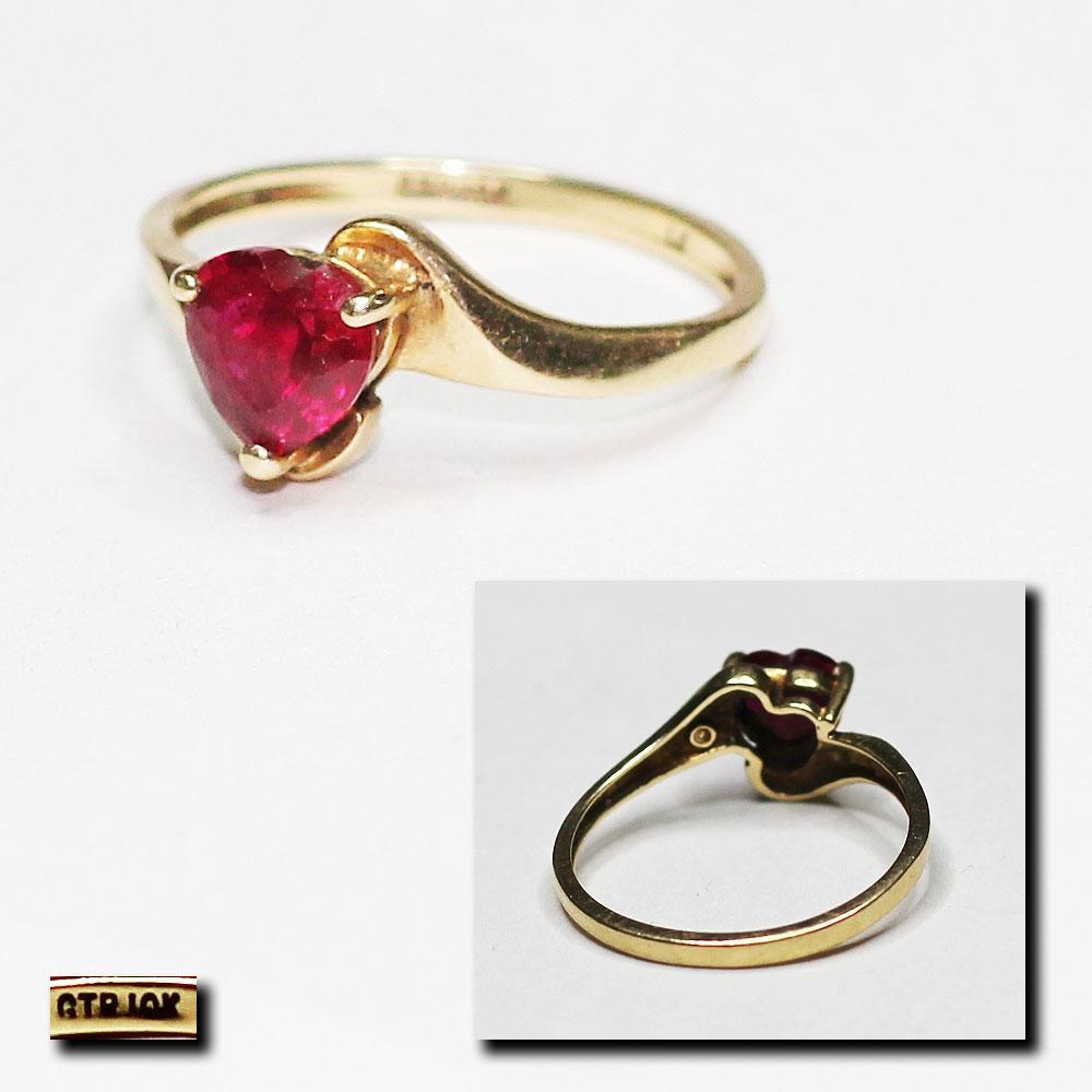 Золотой перстень с рубином женский